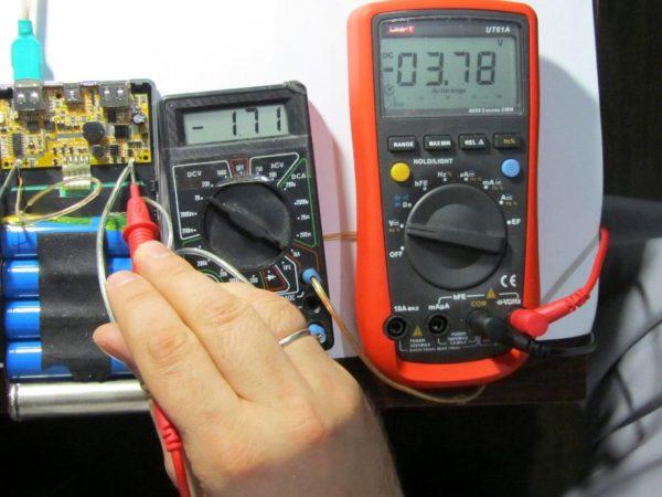 Как проверить плотность аккумулятора мультиметром
